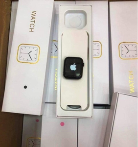 Used Apple logo watch 6 with logo in discount in Dubai, UAE