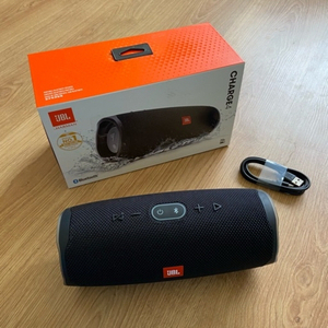 Used JBL Charge4 Portable Bluetooth Speaker  in Dubai, UAE