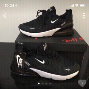 Used Nike Airmax 270 size 42, new in Dubai, UAE