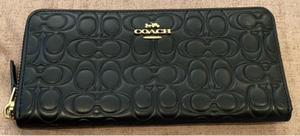 Used Authentic Coach black leather wallet  in Dubai, UAE