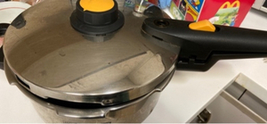 Used Pressure cooker and rice cooker and stat in Dubai, UAE