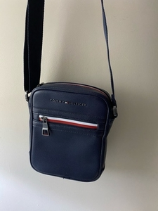 Used Tommy Hilfiger bag in Dubai, UAE