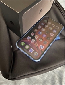 Used iPhone 11 pro max 256gb  in Dubai, UAE
