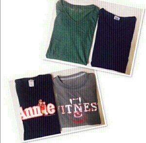 Used 4 Tee shirt unisex /Small ♥️ in Dubai, UAE