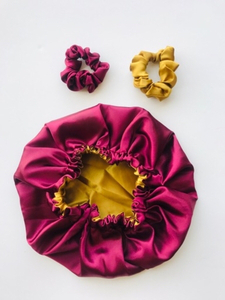 Used Reversible Satin Bonnets and scrunchie  in Dubai, UAE