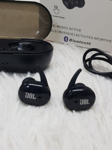 Used Black JBL TWS4 Earbud☆☆ in Dubai, UAE
