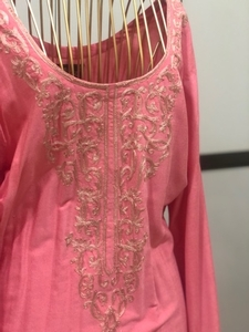 Used Rosy pink jalabeya cotton new small in Dubai, UAE