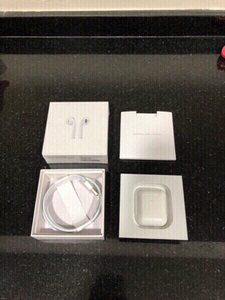 Used High quality Apple Airpods 2 Mastercopy in Dubai, UAE
