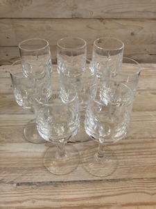 Used Set of 8 crystal glasses  in Dubai, UAE