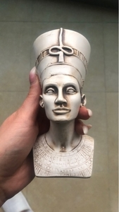 Used Nefertiti statue  in Dubai, UAE
