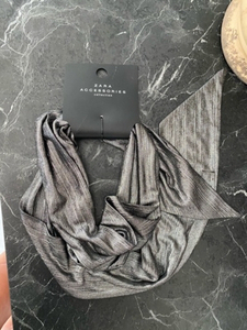 Used 🧣‼️New Zara scarf‼️Give away‼️🧣 in Dubai, UAE