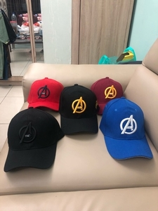 Used Avengers caps for sell 5 pcs 90 aed in Dubai, UAE