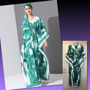 Used LEAF PRINT LONG KAFTAN DRESS/ FREESIZE  in Dubai, UAE