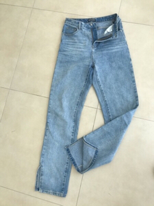 Used jeans highwaist Prettylittlething  in Dubai, UAE