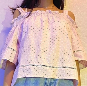 Used Off the shoulder baby pink floral shirt  in Dubai, UAE