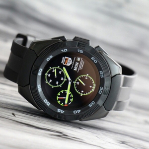 Used smart watch with heart rate  in Dubai, UAE