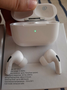 Used AIRPODS PRO YELLOW COLOUR USE ANY MOBILE in Dubai, UAE