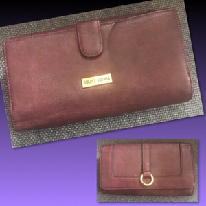 Used LAURA JONES PURPLE PURE LEATHER WALLET  in Dubai, UAE