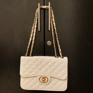 Used White bag in Dubai, UAE