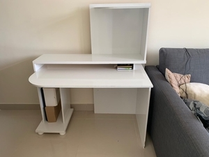 Used White Desk and Chair in Dubai, UAE