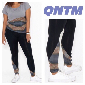 Used Sport outfit top & Leggings QNTM size XS in Dubai, UAE