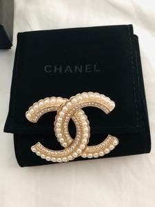 Used Chanel brooch  in Dubai, UAE