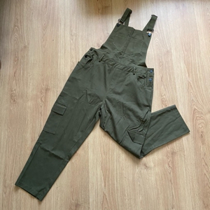 Used Green overalls (new) in Dubai, UAE