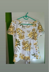 Used Floral top by Susina in Dubai, UAE