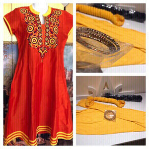 Used Dress & leggings & free bangles & scarf  in Dubai, UAE