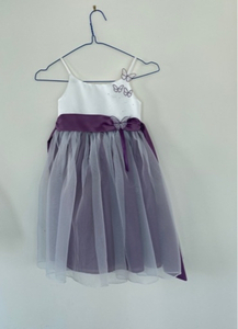 Used Girl dress 4 years 104cm in Dubai, UAE