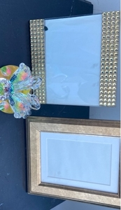 Used Photo frames 2 and crystal swans in Dubai, UAE