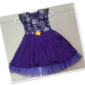 Used Purple Girls Frock size 3-4 yr old ♥️ in Dubai, UAE