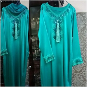 Used Arabic diseng dress size xl in Dubai, UAE