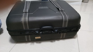 Used Traveling box in Dubai, UAE