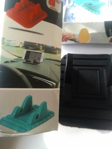Used Rubber mat phone holder 2pcs in Dubai, UAE