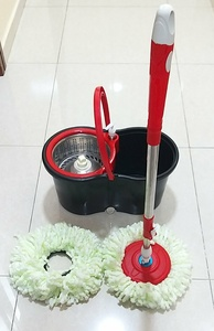 Used Mop Set + Soap Dispenser + 2 Mop heads in Dubai, UAE