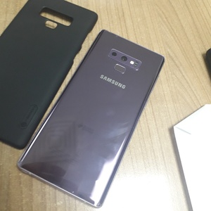 Used Samsung galaxy note 9 512gb clean in Dubai, UAE