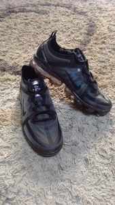 Used Nike vaparmax size 42 in Dubai, UAE