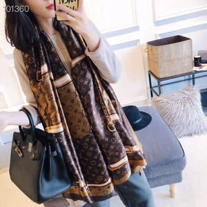 Used Louis Vuitton brown scarf in Dubai, UAE
