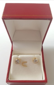 Used 10k solid gold Basel simulayed Diamond in Dubai, UAE