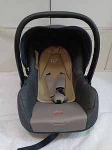 Used Baby Car Seat Newborn - 1 yr old in Dubai, UAE