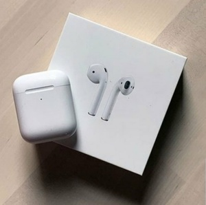 Used Airpod 2nd gen high quality! in Dubai, UAE