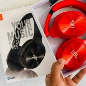 Used Tune 68 bt headset in Dubai, UAE