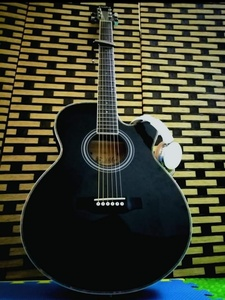 Used Guitar with bag and capo in Dubai, UAE