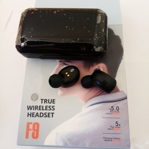 Used F9  TURE WIRELESS HEADSET in Dubai, UAE