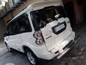 Used Mahindra Scorpio in Dubai, UAE