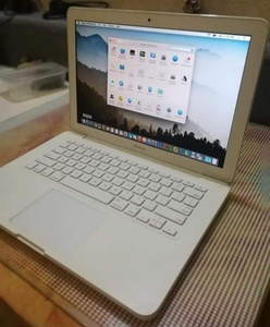 Used Apple macbook 1342 in Dubai, UAE