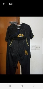 Used Casualsuit An two blootuth. in Dubai, UAE