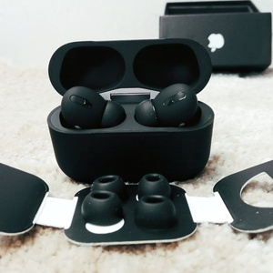 Used Apple Airpod pro master copy (Black) in Dubai, UAE