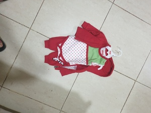 Used baby girl dress 0-3 months unwanted gift in Dubai, UAE